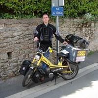 33 000 km-es túra egy moped nyergében - interjú a francia Benoît Denieulle-lel