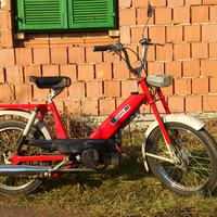 Odáig oké, hogy éledezik a mopedes szubkultúra. De vajon miért?