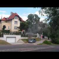 Lángoló Peugeot a 2. kerületi Bimbó úton - videókkal
