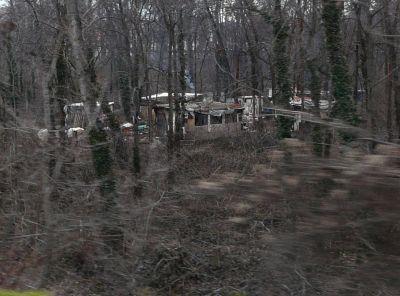 hajléktalan falu Budapesten.jpg