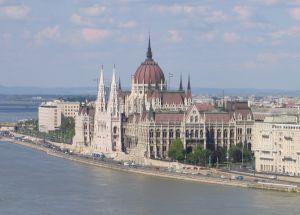 parlament kicsi.jpg