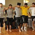 Így táncolnak az Anzsi focistái