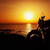 Zenével és motorozással egy jó ügyért