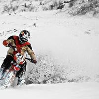 Téli motorozás? Irány a terep!