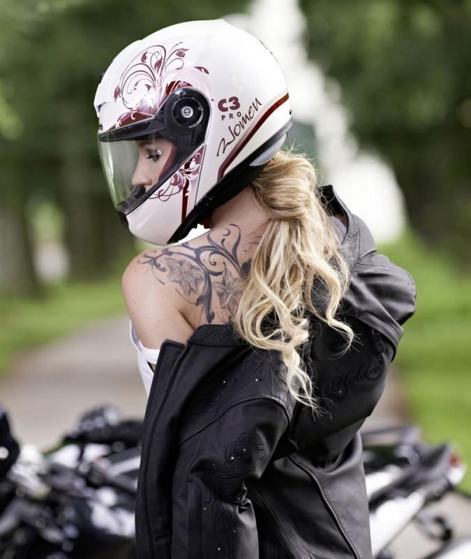 Schuberth-C3-Pro-Women-Modular-Helmet-Picture.jpg
