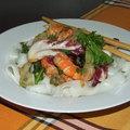 Könnyed ráksaláta rizstésztával
