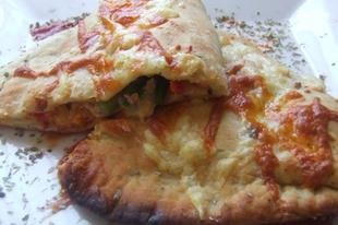 Pizzatáskák tojásos lecsóval
