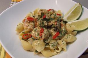 Conchiglie kapros-chilis óriásgarnélával