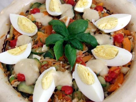 Répás-szójacsírás saláta friss zöldségekkel.JPG