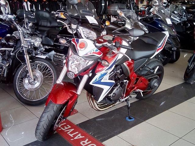 Honda CB 1000 RA 25000 km-es tartósteszt.