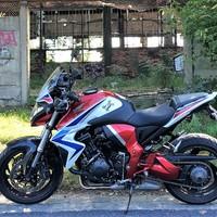 Honda CB 1000 R 2011, VS  Kawasaki Z 1000 2014.