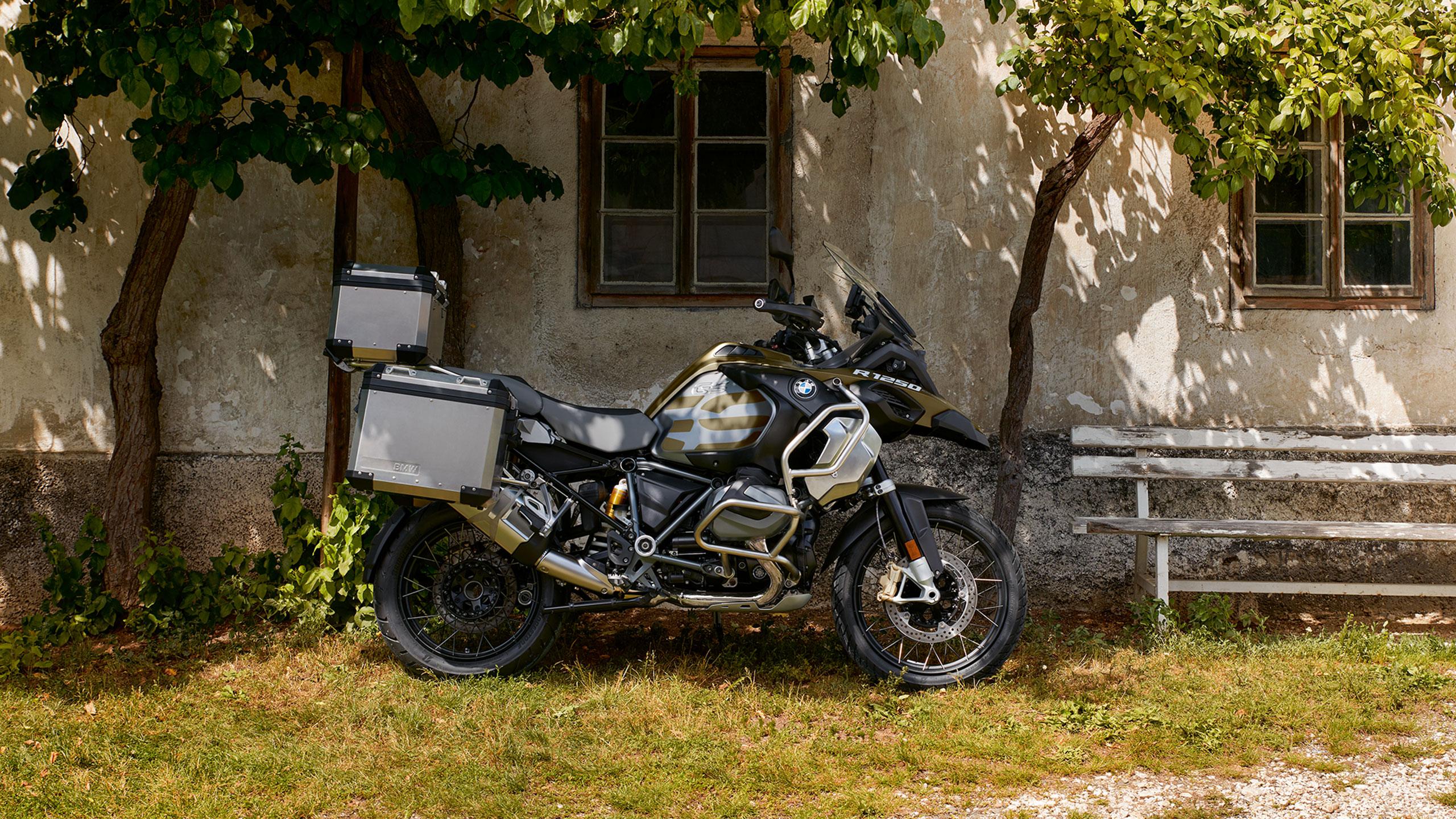 r1250gs_adventure_wna2_original_2560x1440_jpg_asset_1539001068204.jpg