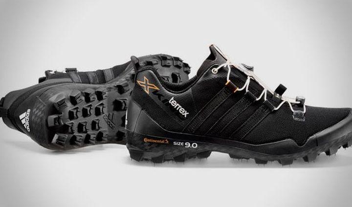 ea04aa9d84 Szomorú hír a bringásoknak, hogy a cipő terepfutásra, túrázásra készült és  azoknak a futóknak szánják, akik hegyibringás ösvényeken is helytállnának  két ...