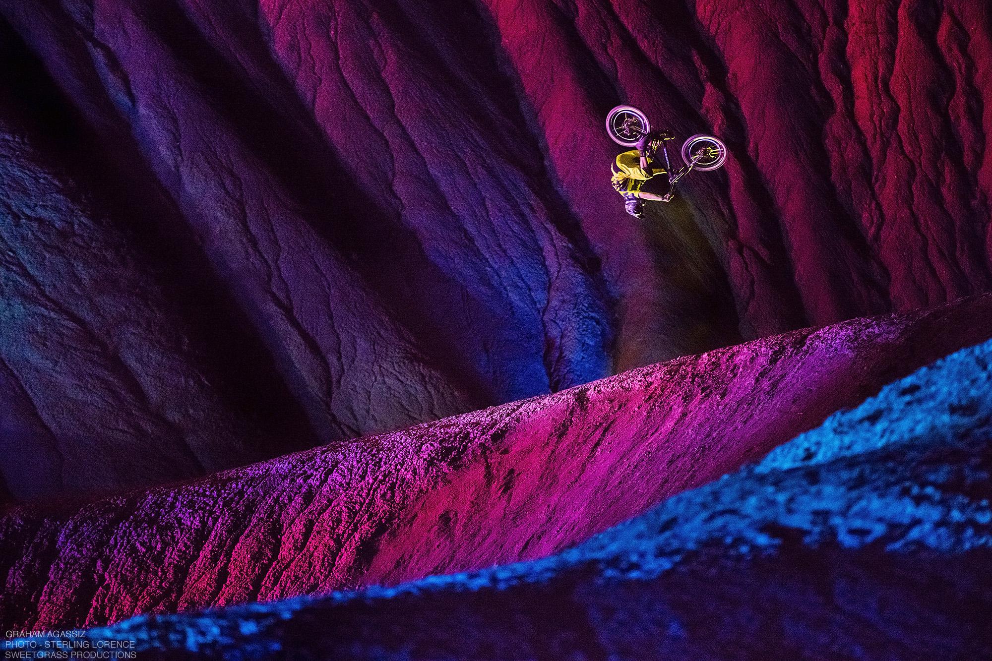 philips-ambilght-tv-mountain-bike-.jpg