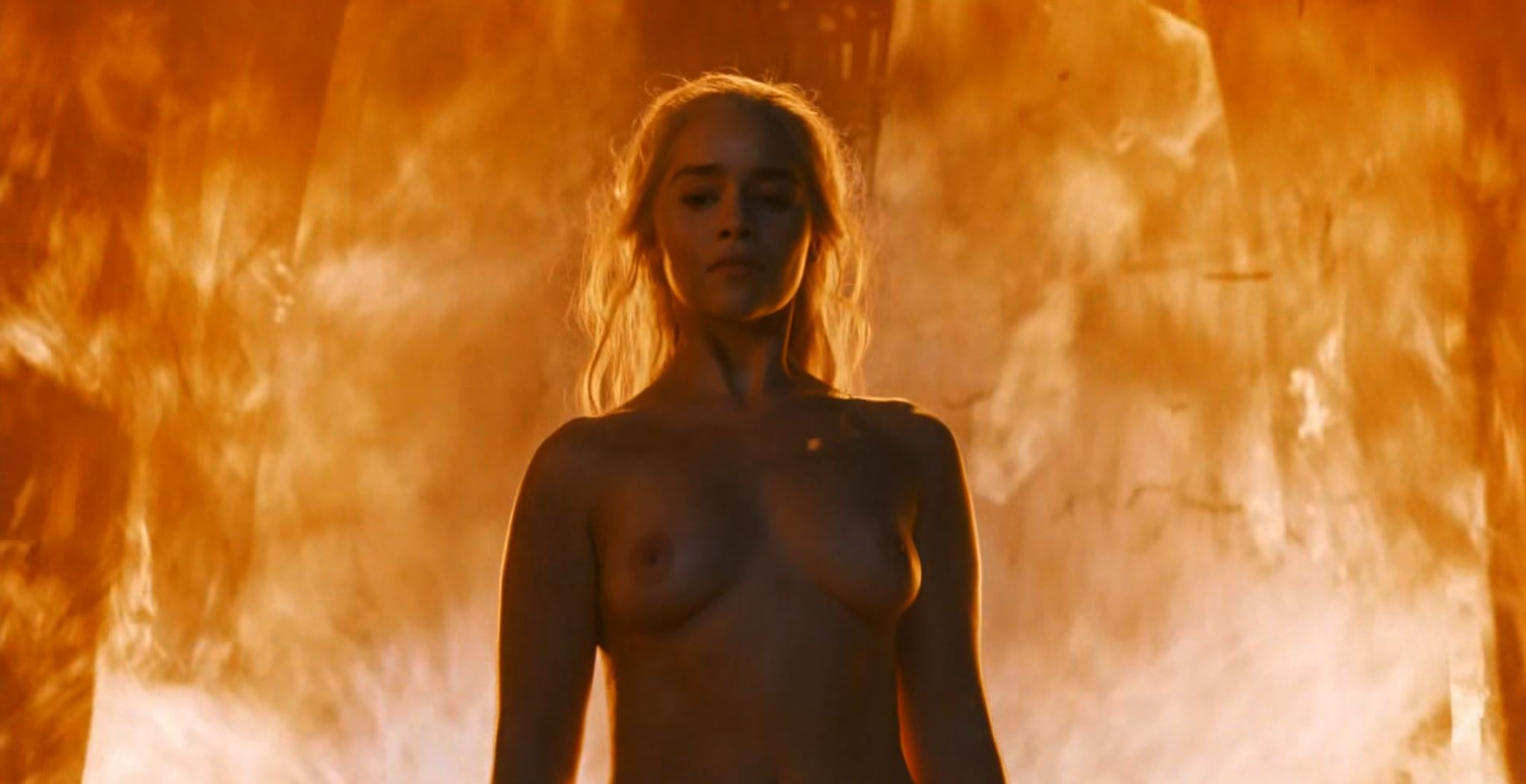 daenerys-walks-naked-out-of-the-fire_-game-of-thrones-s6ep4-book-of-the-stranger-review.jpg