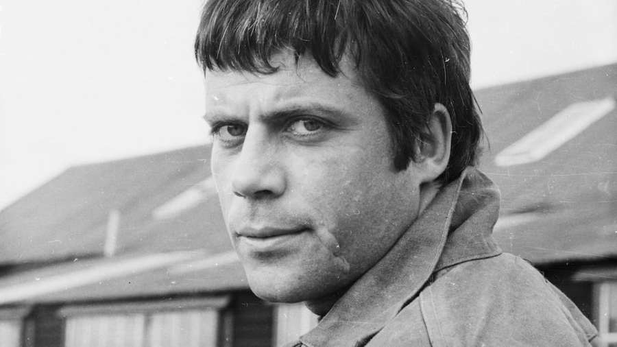 oliver-reed-getty.jpg