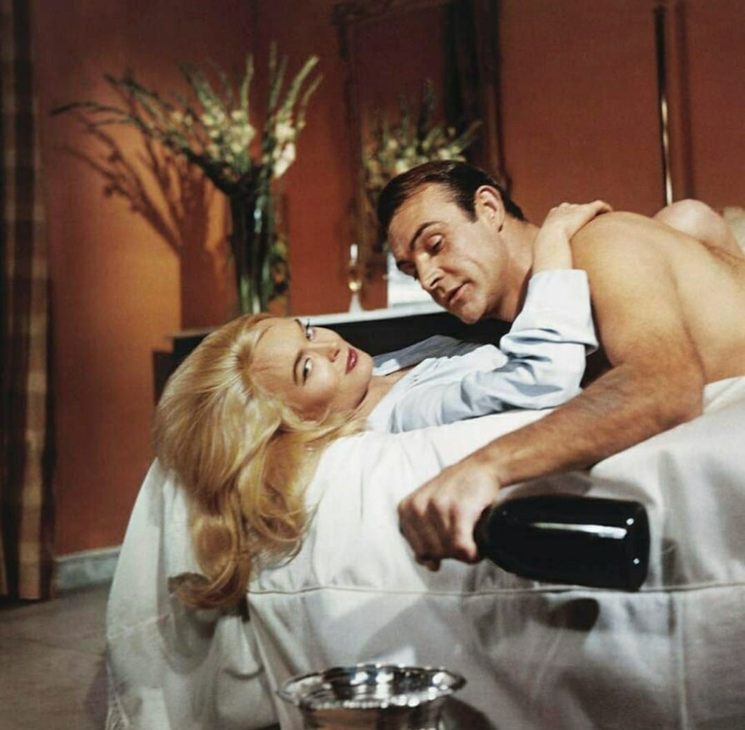 sean_connery_and_shirley_eaton_in_goldfinger_1964.jpg