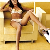 Megan Fox, Zec Efront harapdálná