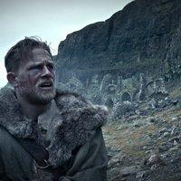 Charlie Hunnam a semmiből jön az Arthur király: A kard legendája új videójában