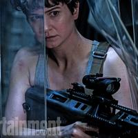 Végre itt egy fotó az Alien: Covenant egyik főszereplőjéről!