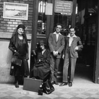 Heti archív: Utasok a Nyugati előtt