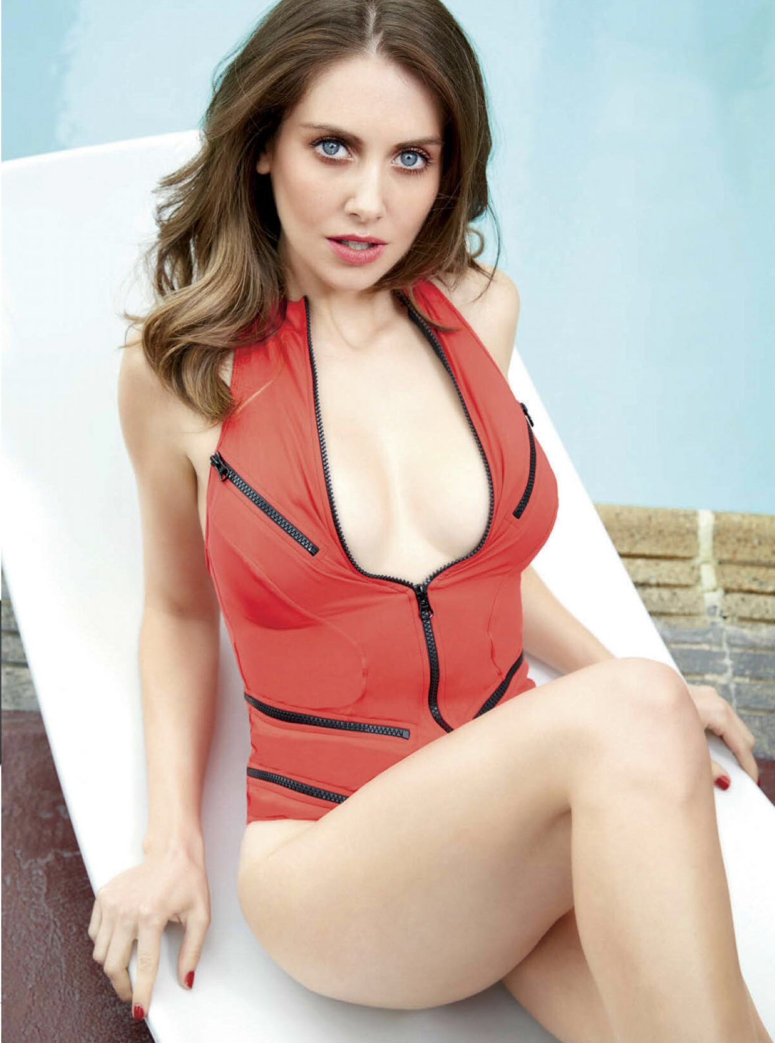 alison_brie-_1.png
