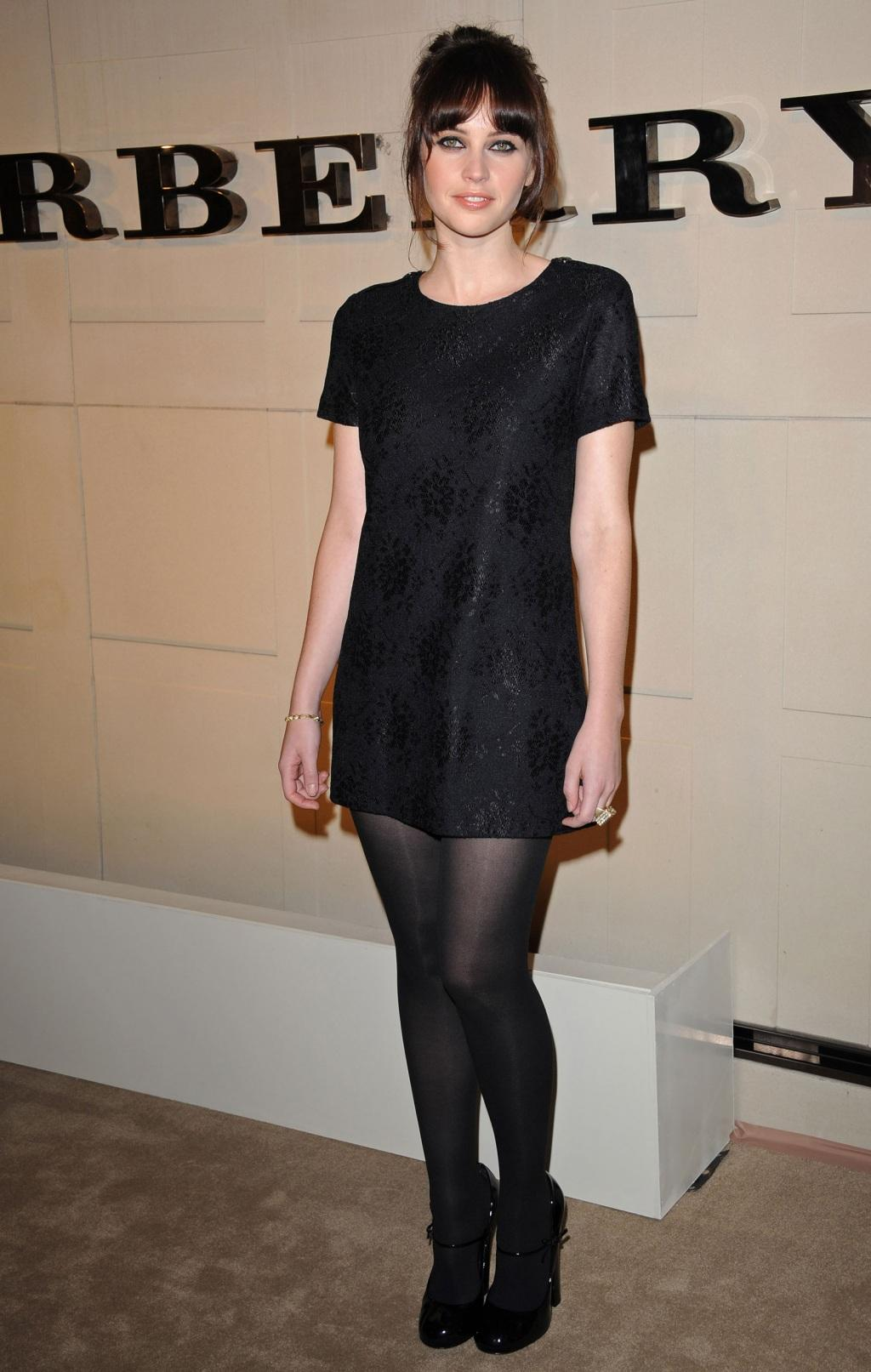 felicity-jones-at-burberry-body-fragrance-launch-in-los-angeles-hot-9c14e7a660000edd280005fedf9fec5c-large-164813.jpg
