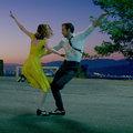 Ryan Gosling dalolva érkezik Velencébe