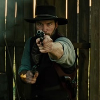 Chris Pratt ágyéknál feszülős nadrágban is jól lő