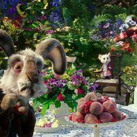 Beszívva lesz jó nézni az új Alicet Tükörországban