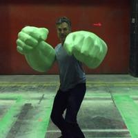 Hatalmas Hulk karokkal támad Mark Ruffalo
