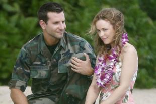Bradley Cooper pilótaként is szexi