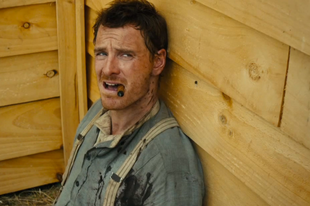 Michael Fassbender a Slow West filmben is szexi - Videó
