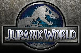 Három Jurassic World plakát