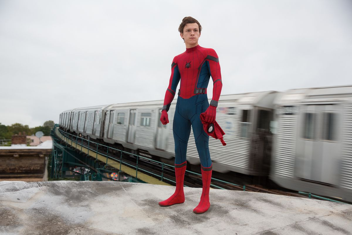 spider_man_homecoming_df_28509_r2_r_0.jpg