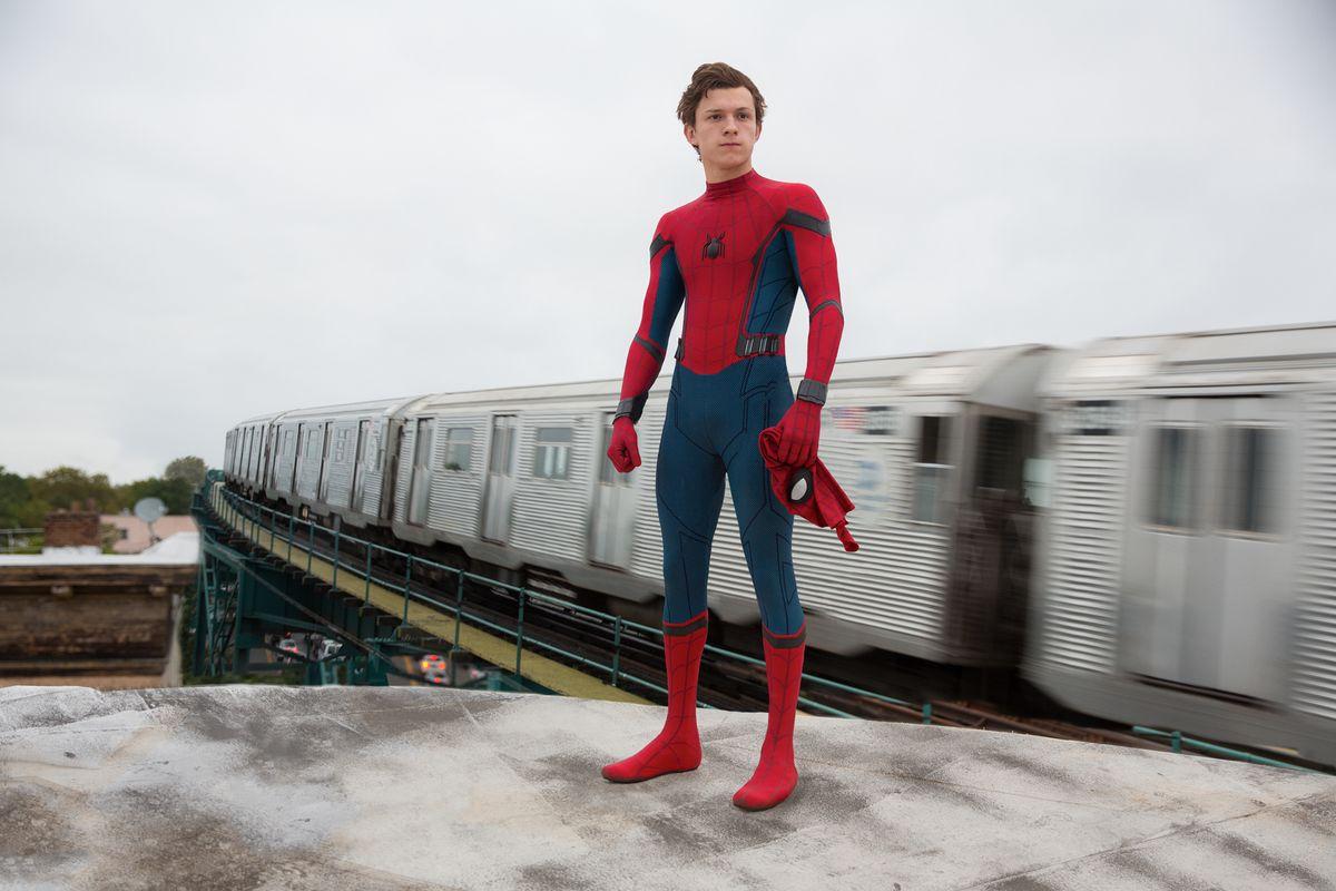 spider_man_homecoming_df_28509_r2_r_0.jpg
