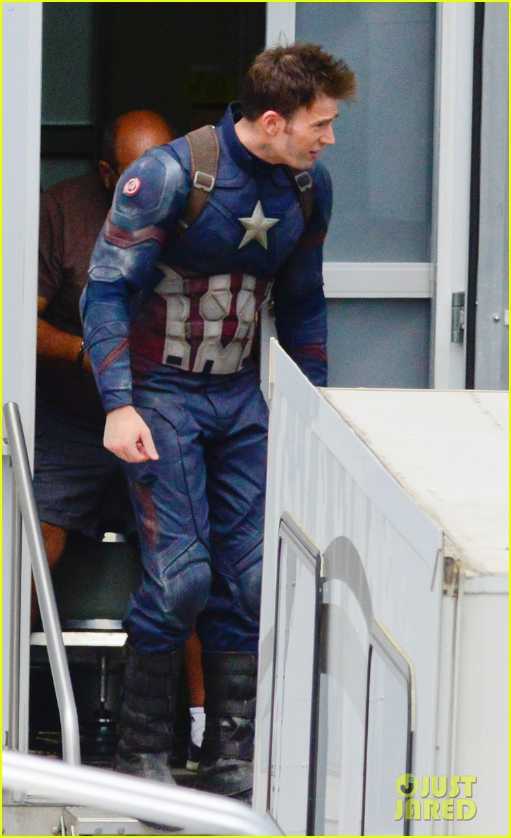 captain-americas-new-weapon-is-a-enter-our-poll-27.jpg