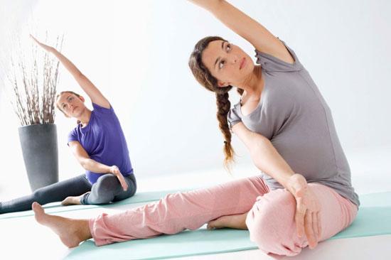 355f5a7422fdcce9_prenatal-yoga.jpg