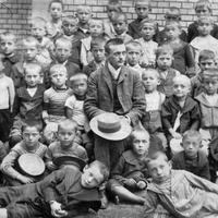 Milyen iskolákban tanultak déd- és nagyszüleink 100 évvel ezelőtt?