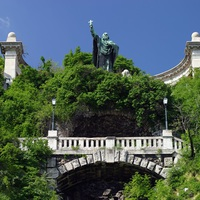 Top Attractions to See in Gellert Hill