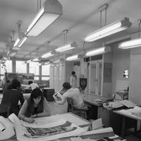 Nők a pult mögött - és az irodákban, laboratóriumokban, szerkesztőségekben