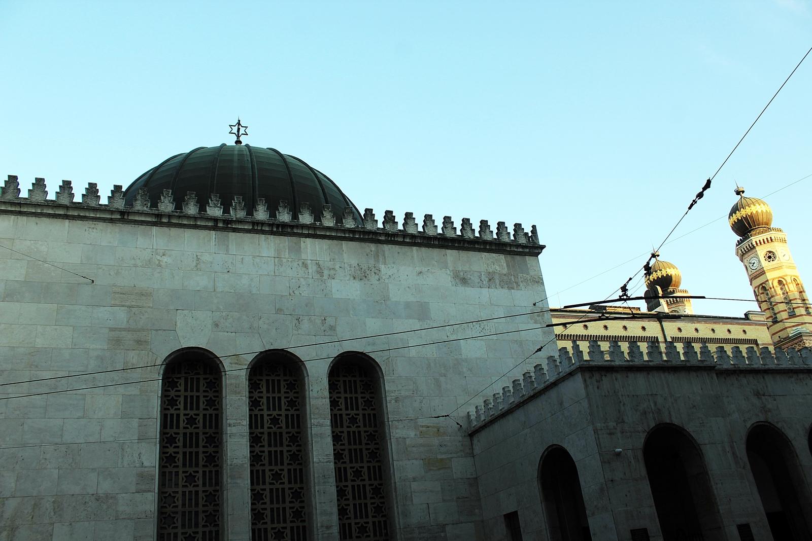 hosoktemploma-zsinagoga-mogott.JPG