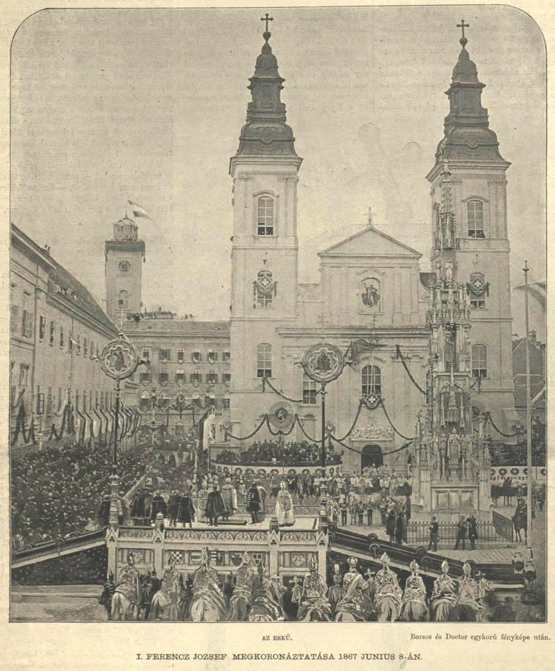 Ferenc József 1867-ben azért érkezett Budapestre, hogy a Mátyás-templomban magyar királlyá koronázzák. Előtt a Belvárosi plébániatemplom előtt tett esküt arra, hogy megvédi az országot minden ellenségtől.(Forrás: http://www.belvarosiplebania.hu)