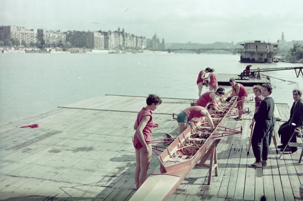 1955kotnyekantal_margitszigetvorosmeteor_evezoshaz_stegje.jpg