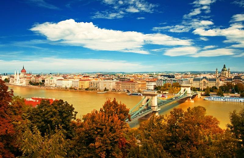 Budapestlatkep_5dologamiertimadomBudapestet.jpg