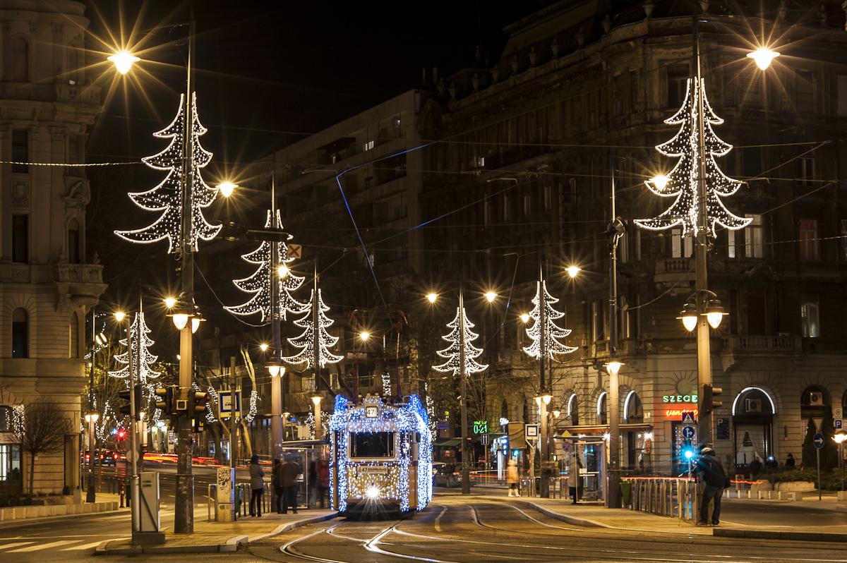 budapest-christmas-lights02.jpg