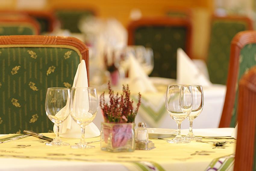 budzh_olive_s_restaurant_2_1.jpg