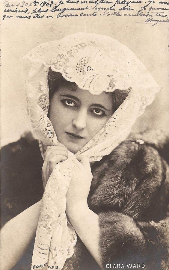 Clara Ward, Princesse de Caraman-Chimay volt az asszony teljes neve, miután férhez ment egy belga herceghez. Clara Detroitban született 1873-ban – egy nagyon gazdag amerikai családban.