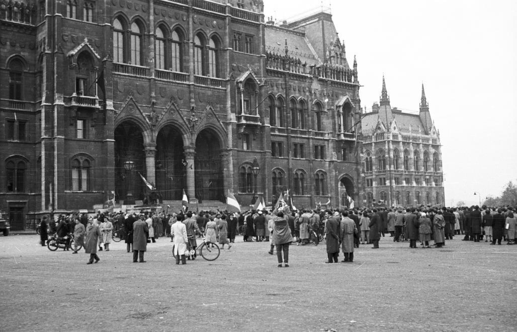 parlament1956.jpg