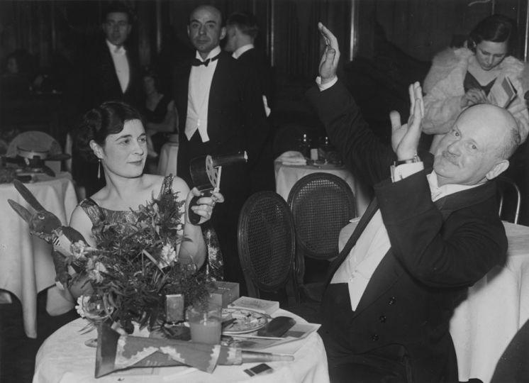 1931-ben mulatozók a Piccadilly étteremben Londonban.